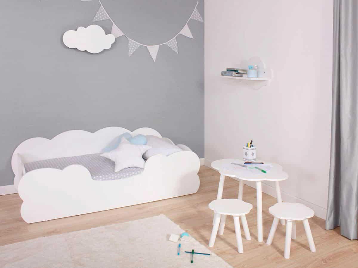 cama nube en habitación Montessori