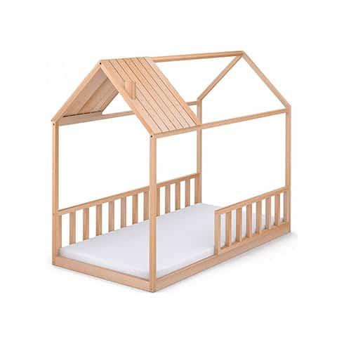 cama con forma de casita con tejado y barandilla pedagogía Montessori
