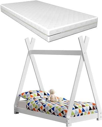 cama tipi infantil blanca pequeña con colchón