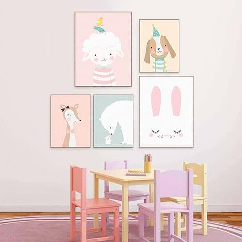 Composición con 5 cuadros de animales de colores claritos