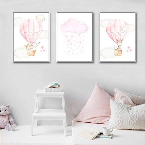 Dos cuadros con un dibujo de globo y otro con una nube