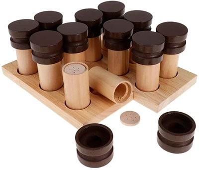 Botecitos de madera para trabajar el olfato