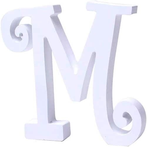 Letra mayúscula para poner su inicial de color blanco