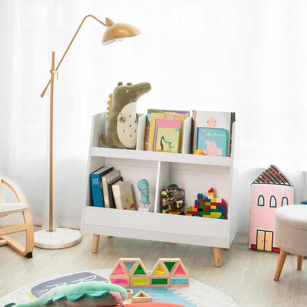 Muebles para exponer los cuentos de los niños