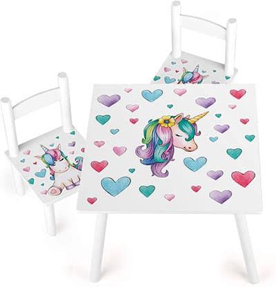 mesa y sillas para niña con unicornios y corazones