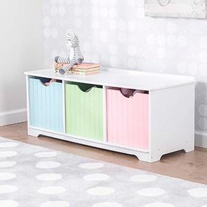 mueble tricolor en tonos pastel