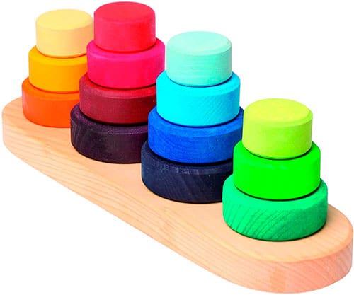 piezas cilíndricas de madera de colores
