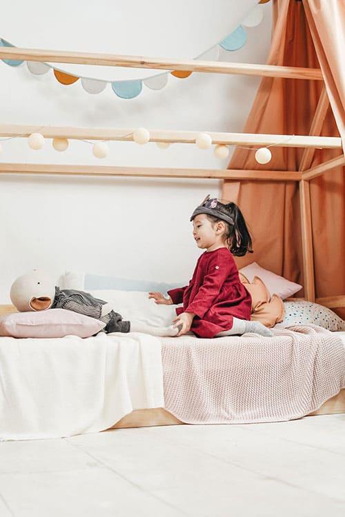 cama montessori habitación infantil